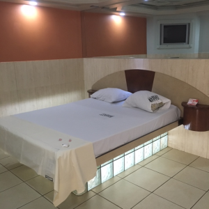 Luxury-Suite-1-28.00-per-6hrs